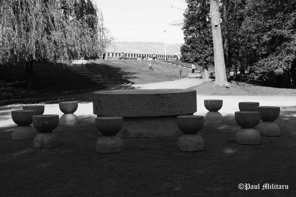 modern-art-the-table-of-silence-by-brancusi