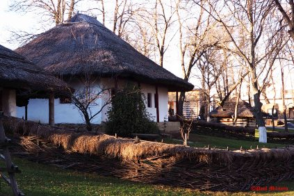 old-peasant-houses-3