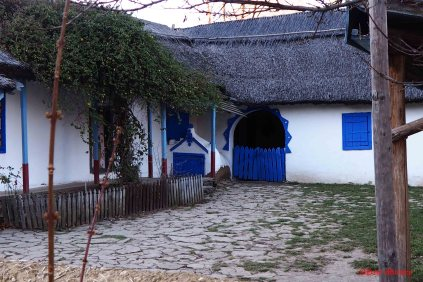 old-peasant-houses-4