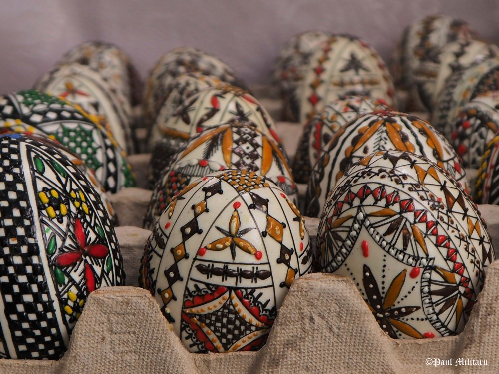 art - hand painted eggs for Easter