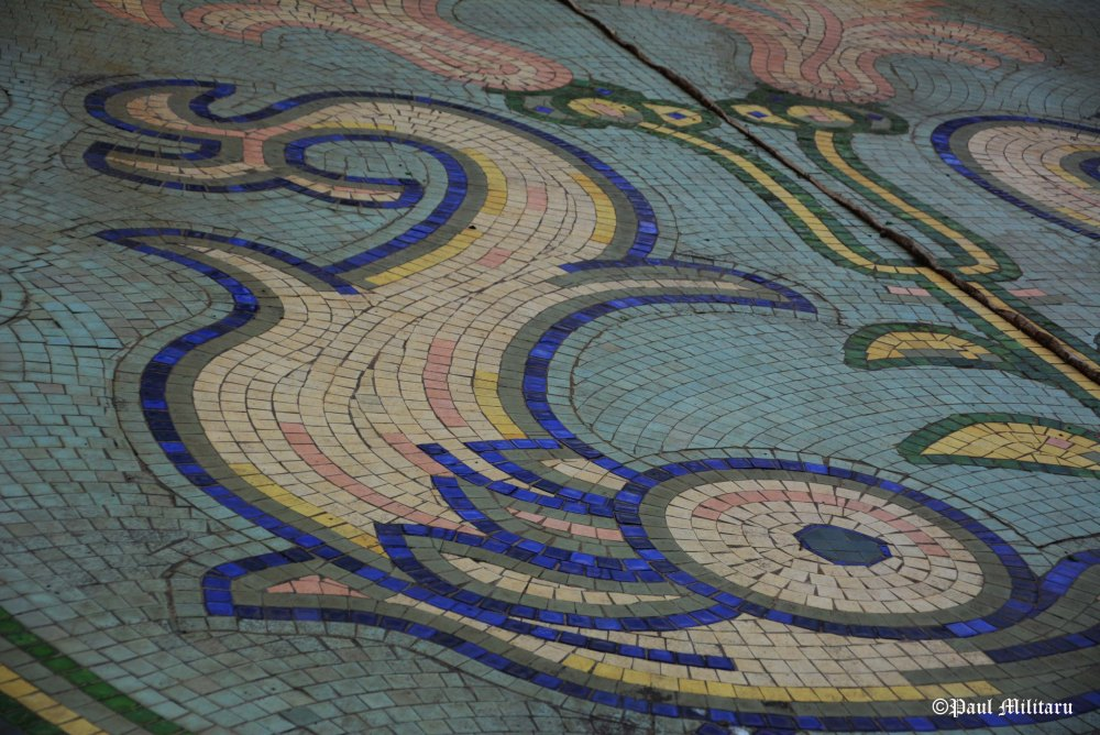 mosaic in artesian fountain