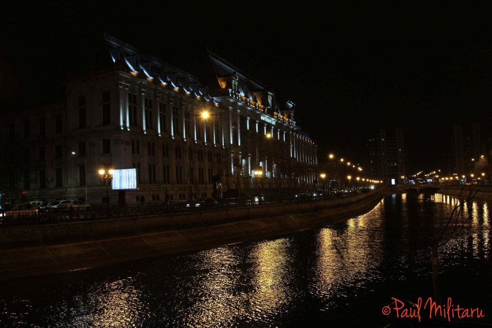 river Dambovita by night