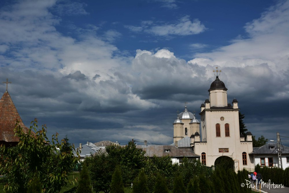 the sky over the Pasarea monastery