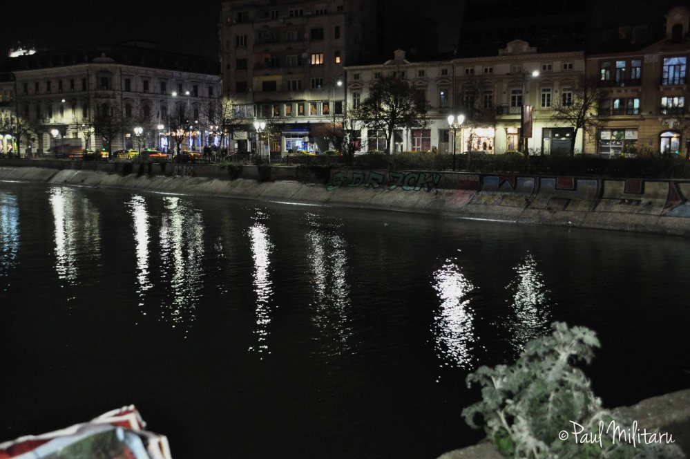 night on Dambovita river