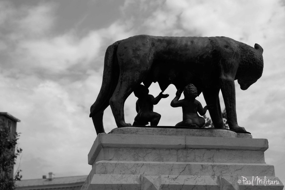 wolf with the two children Romulus and Remus