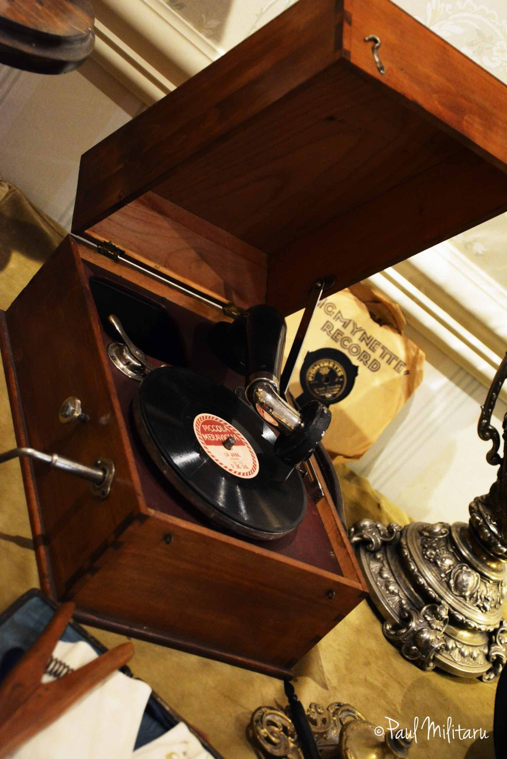 gramophone...modern cd player
