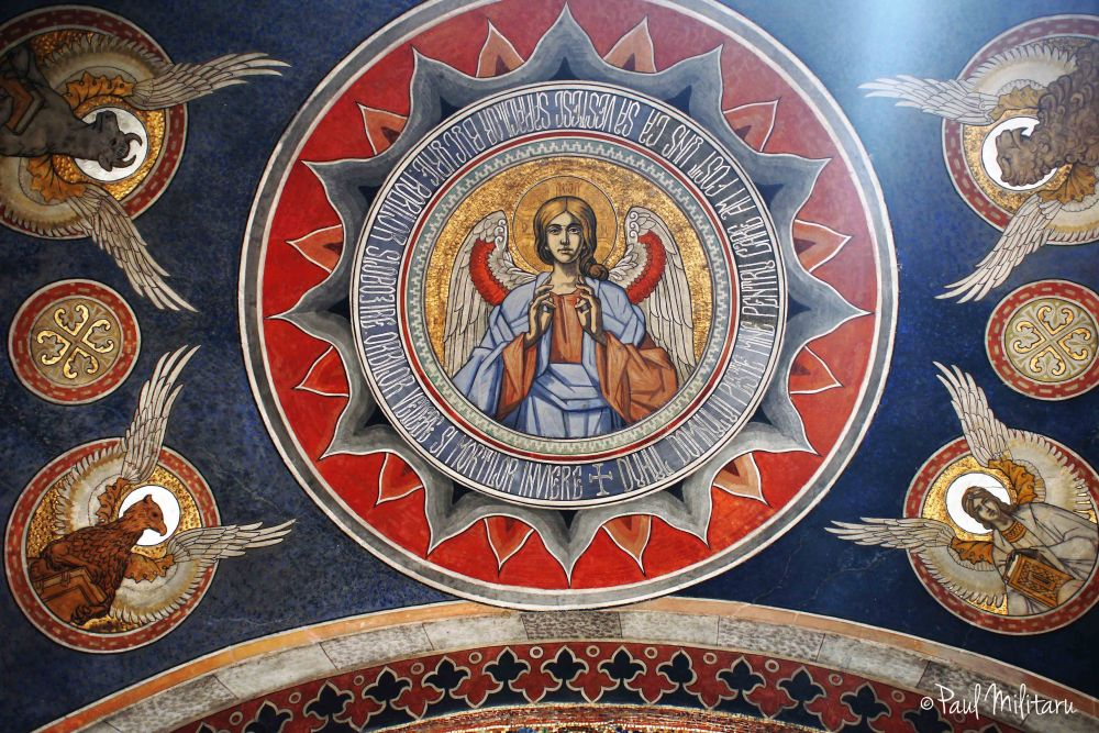 iconoclastic painting on the vault