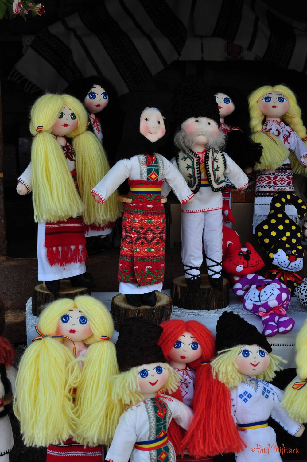 dolls in the Romanian national port